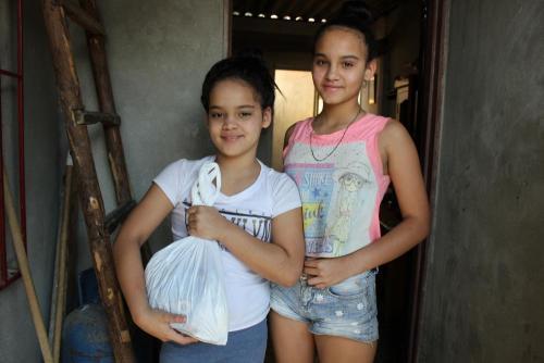 Villegas Sisters ELIZABETH Y MEJEREN VILLEGAS